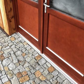 Naturstein Würfel und Eingang - Strong Silver